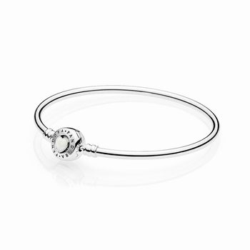 Pandora Moments Loving Heart Clasp Silver Bangle 590746en23